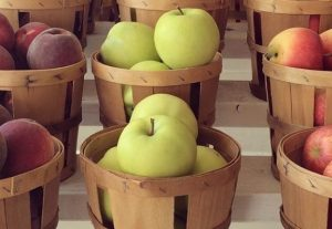 Dish_Works_article_apples-in-baskets-580x400